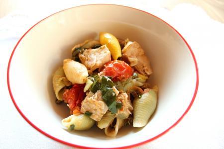 Tonhalas tésztasaláta recept